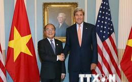Chủ tịch Quốc hội Nguyễn Sinh Hùng gặp Ngoại trưởng John Kerry