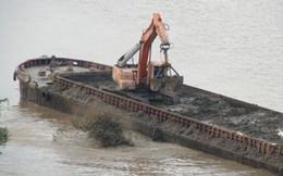 Chất thải đổ xuống sông Hồng chỉ là bùn thải