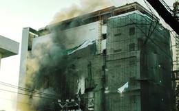 Công trình nhà hàng tiệc cưới trung tâm Sài Gòn bốc cháy khi đang xây dựng