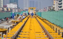 Lắp đặt ray tàu điện công trình đường sắt trên cao