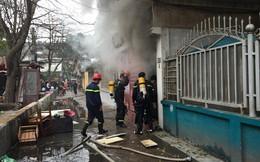 Hà Nội: Cháy lớn tại chung cư cũ C6 Giảng Võ