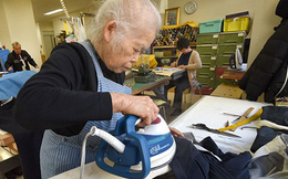"""Nhật Bản """"đau đầu"""" khi căn hộ cao cấp trở thành """"khu ổ chuột"""" cho người già ốm yếu"""
