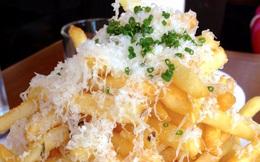 7 thực phẩm khiến bạn hối hận khi ăn trên máy bay