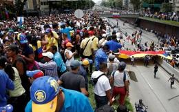 Biểu tình nổ ra khắp Venezuela