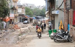 """Hà Nội: Người dân """"khốn khổ"""" vì đại công trường"""