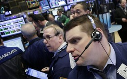 Lo Fed tăng lãi suất, chứng khoán toàn cầu thấp nhất 6 tuần