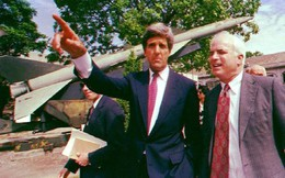 John Kerry, John McCain và bài học về Việt Nam