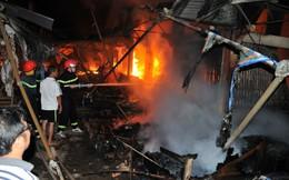 Chợ huyện tại Gia Lai bị lửa thiêu rụi giữa đêm
