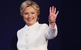Bà Clinton tạo khoảng cách lớn so với đối thủ một ngày trước bầu cử