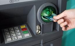 Vì sao kẻ gian có thể lấy được tiền từ các tài khoản ngân hàng?