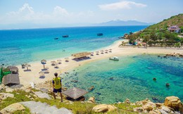 Bãi tắm đôi duy nhất Việt Nam ở đảo Yến