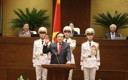 Tân Chánh án Nguyễn Hòa Bình tuyên thệ