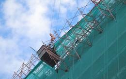 Sập giàn giáo công trình cao hơn 20 tầng