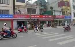 Băn khoăn biển hiệu tại con đường kiểu mẫu đầu tiên ở Hà Nội