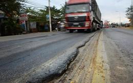 Quốc lộ ngàn tỉ lún nham nhở, sao không ngưng thu phí?