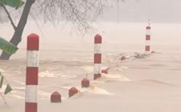 Mưa lũ ở miền Trung: Mực nước sông lên nhanh