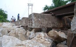 Thông tuyến đường sắt Bắc Nam sau hơn 3 ngày ách tắc