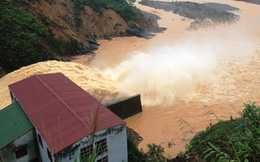 Phát triển thủy điện ồ ạt gây ra nhiều hệ lụy