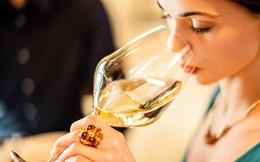 Bạn sẽ trả giá đắt vì đánh răng sau khi uống rượu vang, vì sao vậy?