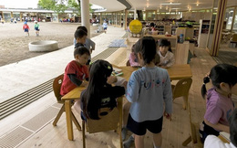 Người Nhật dạy trẻ con: Chúng cần phải bị trầy xước, để biết cách sống trong thế giới này!