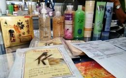 """Phú Yên: Mỹ phẩm """"siêu rẻ"""" bày bán công khai ở chợ miền núi"""
