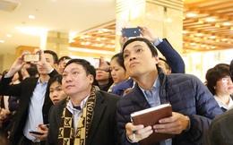 Thị trường chứng khoán Việt Nam: Bán tháo và chờ đợi?