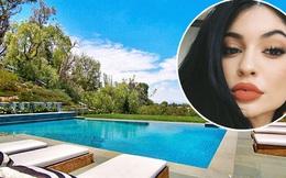 19 tuổi, Kylie Jenner đã mua được biệt thự thứ 4 đắt hơn cả nhà Selena và Miley