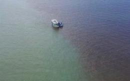 Video: Dải nước lạ màu đỏ đục xuất hiện trên vịnh Hạ Long