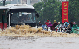 Đầu tư hơn 8.000 tỷ đồng, Hà Nội ngập vẫn hoàn ngập
