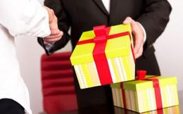 Bộ Công an nghiêm cấm tặng quà cấp trên dưới mọi hình thức