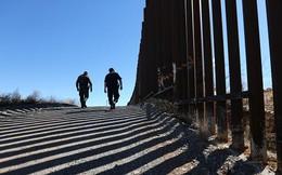 Phác họa bức tường màu hồng dài 3.000 km của Donald Trump