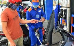Cần hay bỏ Quỹ Bình ổn giá xăng dầu?