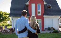 """""""Không mua nhà đừng nghĩ đến làm giàu!"""""""