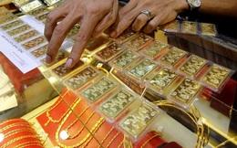 Các doanh nghiệp vàng điều chỉnh giá ngược chiều nhau