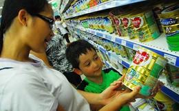 Bỏ áp trần: Cách nào chống loạn giá sữa?