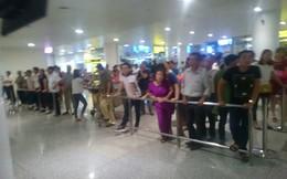 Tắc cửa nhập cảnh tại sân bay Nội Bài gần 2 giờ