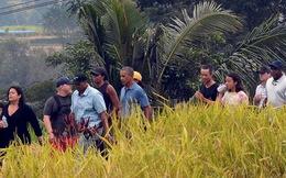 Gia đình cựu Tổng thống Obama đi dạo giữa cánh đồng lúa trong kỳ nghỉ dưỡng tại Indonesia