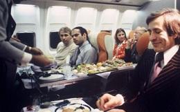 13 bức ảnh cho thấy bữa ăn trên máy bay cách đây 60 năm sang chảnh gấp chục lần ngày nay