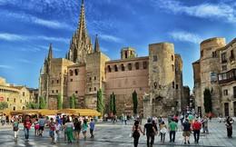 Du lịch đóng góp 14% nguồn thu thuế nhưng đây là lý do Barcelona sẵn sàng đuổi khách