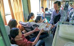 """Tặng suất ăn """"hàng không"""", đường sắt có kéo khách trở lại?"""