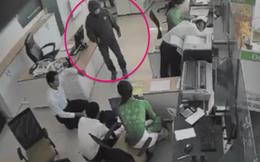 Nhân viên ngân hàng kể lại thời điểm đối mặt với cướp