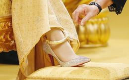 """Có gì đặc biệt bên trong những đôi giày """"có giá bằng cả căn biệt thự triệu đô"""" của giới siêu giàu?"""