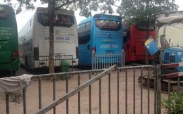 [Video]: Kẹt giữa bến xe ở Hà Nội, hàng chục hộ dân kêu cứu