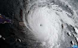"""Giết chết 23 người, """"quái vật Irma"""" có thể thổi bay 200 tỷ USD, đe dọa bãi chất thải hạt nhân thời Chiến tranh Lạnh của Mỹ"""