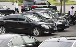 Khoán xe công: Nên đưa các khoản vào lương để cán bộ tự thuê xe?