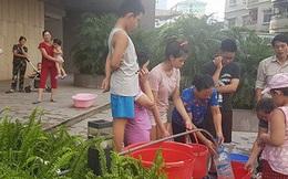 Người dân Linh Đàm khổ vì thiếu nước kéo dài