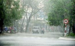 Vì sao Hà Nội có đợt mưa kéo dài hiếm có từ năm 1971?
