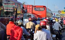 Đường Sài Gòn ngộp thở, TPHCM kiên quyết không cấp phép xây cao ốc ở những trục đường hay ùn tắc