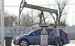 Giá dầu cài số lùi 5 tuần liên tiếp