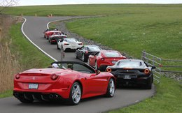 """Bộ sưu tập hàng trăm siêu xe và sân đua """"có một không hai"""" của triệu phú 52 tuổi"""